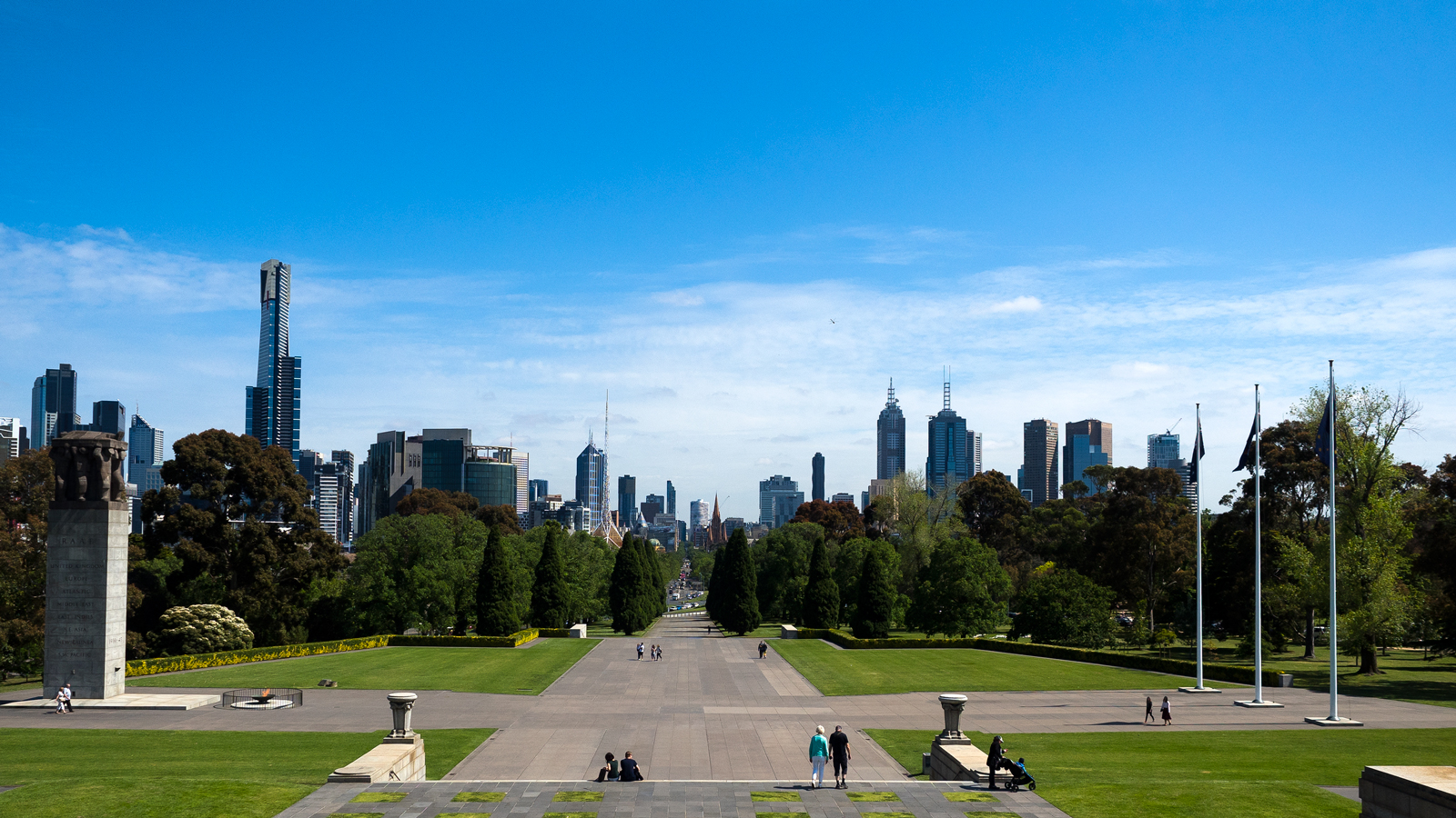 Melbourne Skyline ground level Shrine of Remembrance