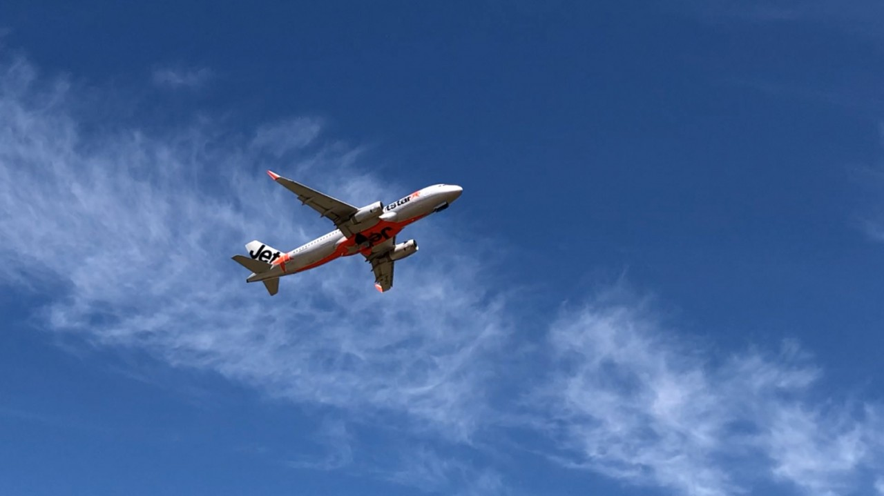 Jetstar-takes-off-from-Avalon-Airport